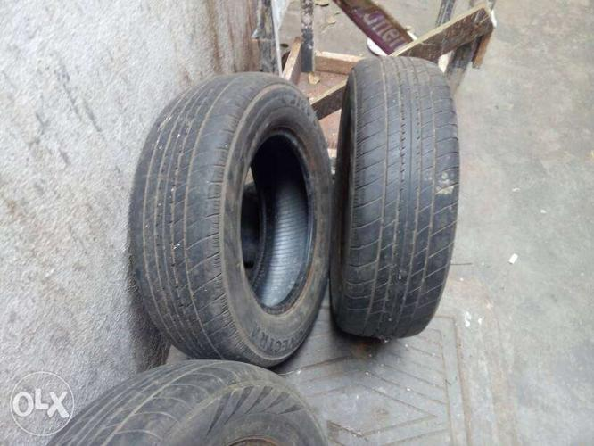 Toyota qwalis tyre tube less good condition