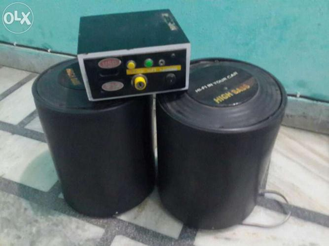 Tractor Audio System Very Good Condition 2 Speaker And 2 Box With