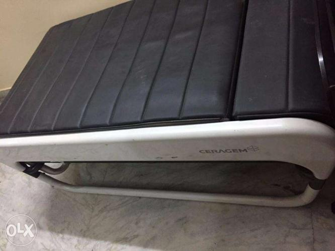 Used ceragem master v3 therapy massage bed in brand new condition