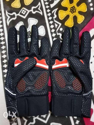 Waterproof bike gloves for sale in 1200(nego).