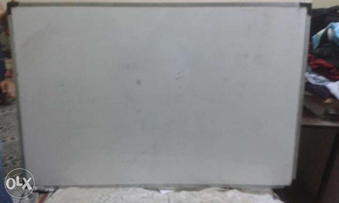 White board , marker board 3x2
