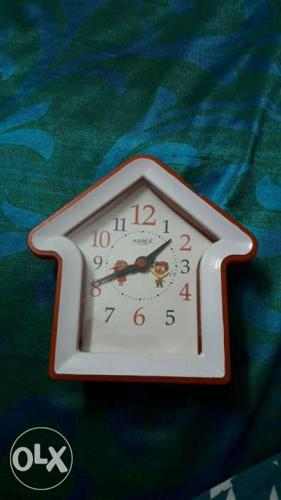 White House Analog Clock