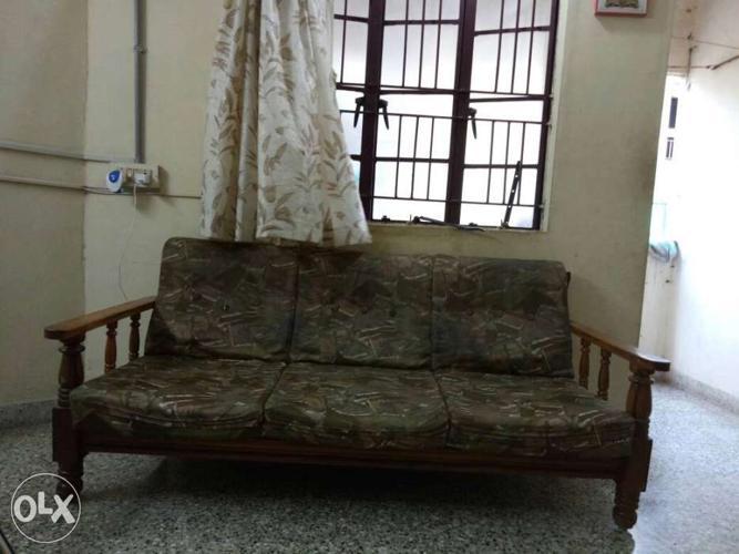 Wooden (sag) sofa set