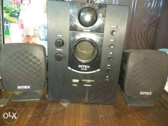 Woofer with 02 no speaker,nice sound quality