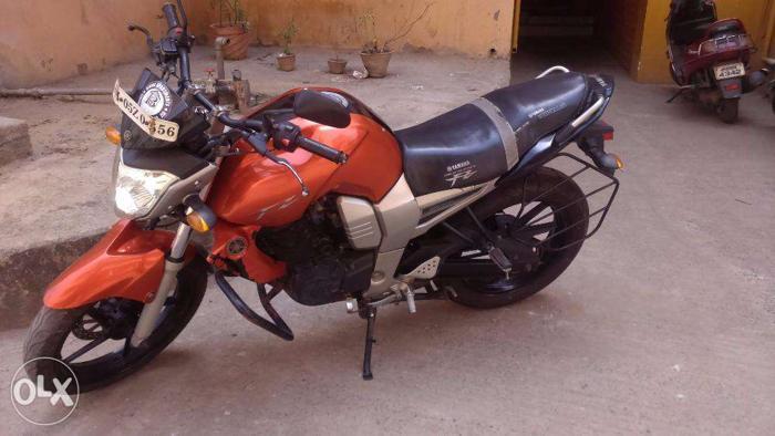 Yamaha FZ - 2009 - Orange - 38000Kms