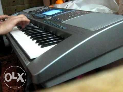 Yamaha psr 1100 with bag,adapter pendrive updated midifiles for Sale