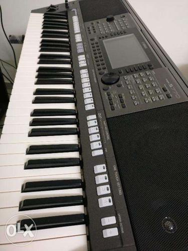 Yamaha psr s770 workstation keyboard for sale in for Sale in