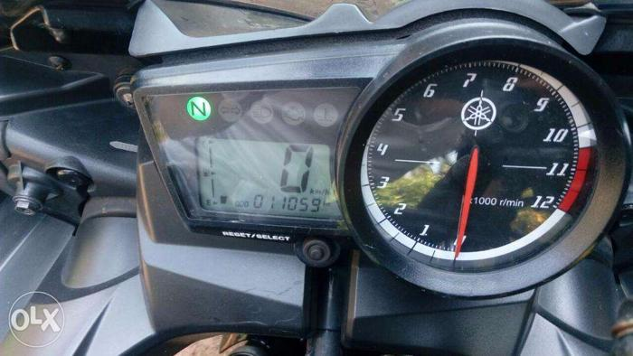 Yamaha R15 good condition bike-gold special edition for Sale