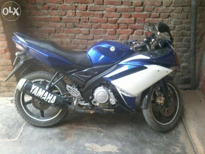 Yamaha r15 new condition bike