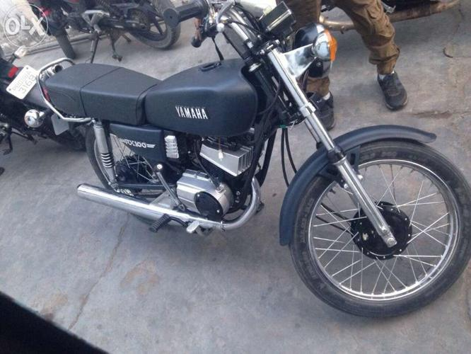 Yamaha rx 100 Full ready with mate double shades paint blue
