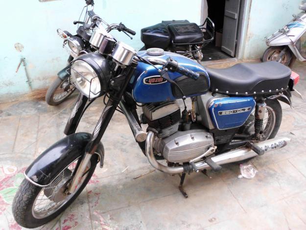 Yezdi 250 classic 2