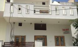 LOANABLE 3BHK DUPLEX HOUSE AT GANESH GAWADI Size: 18 front 25 depth 18 X 25 plot size Facing : East Facing Parking: two wheeler parking Water Storage: One overhead tank of 500 ltrs 2 underground tank of 2000 ltrs and 1000 ltrs False ceiling Granite slab