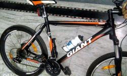 Giant rincon disk cycle in excellent condition with all accesories fitted hidrolic brakes.8 month old New price is 45000