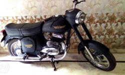 JAWA New Modified bike with attractive look in good condition at very low price... colour- Mate Black From- guzri bazar meerut