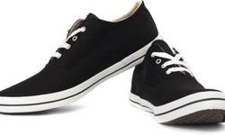 Cloth/Shoes/Accessories: Men Footwear Type: Sneakers Brand New n Genuine Converse Sneaker Size 9 Color: Black Itz Market Price is above 1200 Bt wanted to sell it urgently for 800 since i m in need of money If Interested plis Call me on 919863598506