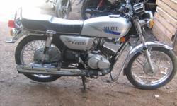 Yamaha 135 ( 2001 model ) 5 speed 5 gear silver colour papers complite dewas passing...... interested can contact me : 9977113343..........