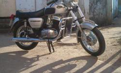 yezdi classic 250   Well maintained   Yes this is the same bike that Your  Grandfather Rides   Now its Your Turn......    Contact Between 4 P.m. to 8 P.m.