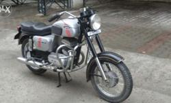 Yezdi roadking classic cl 2 motorcycle modle 1990 showroom condition up no half kick start for sale.