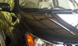 Mahindra xuv500 w6 good condition single owner black