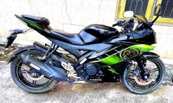 Yzf R15. Black green special edition. Only 2900 km