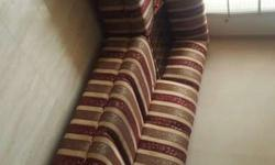 5 seater sofa in a very good condition with glass