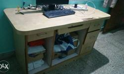 5ft long computer table with 4 draws