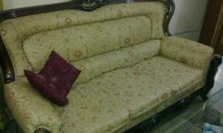 7 seater Maharaj Sofa in excellent condition and 1 year