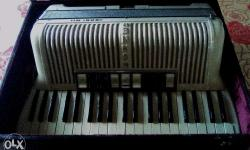 Made in GERMANY./..Original Hohner / 41/120 key/button