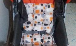 Baby Stroller with excellent condition and hardly used.