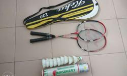 Badminton racket with shuttlecock free