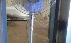 bajaj midea standing fan for sale. Not working