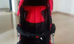 A beautiful baby Pram in very good condition.. Is up