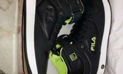 Black-and-white Fila High Top Sneaker Sin Box.Size is 7