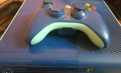 Blue Xbox 360 Console With Contrller