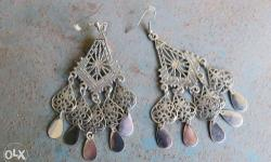Costume Earrings. Never worn. Good condition