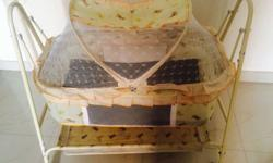 Cradle with net in good condition