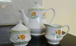 Fine China mosaic Tea Pot 3 pieces Harley used, good