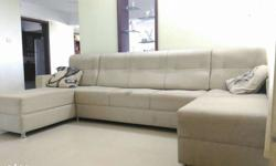 Full-Cushion 5-seat sofa with leg-rest on both sides.