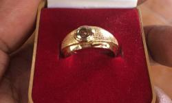 This is a pure gold ring with a diamond, I want to sell