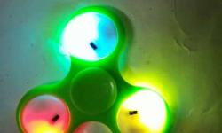 Green 3-bladed Fidget Spinner With LED Lights