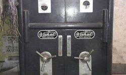 2 heavy duty safes in excellent condition available for