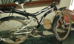 Hercules Atom bicycle with 18 gears, in good condition.