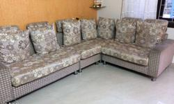 I want to sell this sofa set