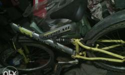 Imported cycle in running condition.vit gears and disk