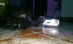 Cam is working very well.Charger nd battery