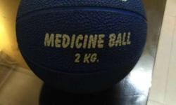 Medicine ball 2 kg HRS make in good condition