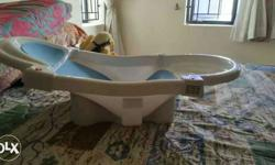 Mee Mee baby bath tub. in new condition used only once.