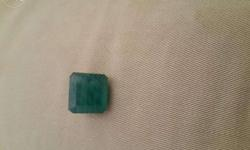 Natural emerald jambiyan Weight = 12.12 cts 13.33
