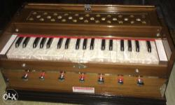 New Harmonium 1 month old in superb condition