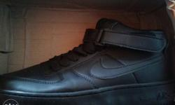 Nike air. brand new. size 8